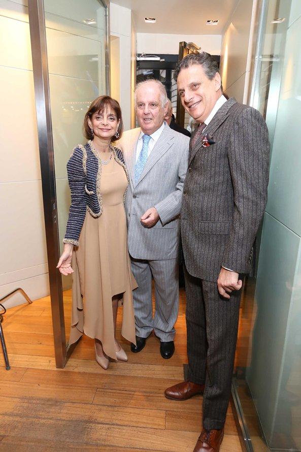 Los hermanos Claudia y Enrique Stad reciben a Daniel Barenboim en el exclusivo evento organizado en la joyería de Recoleta, en reconocimiento a su aporte a la cultura y la convivencia