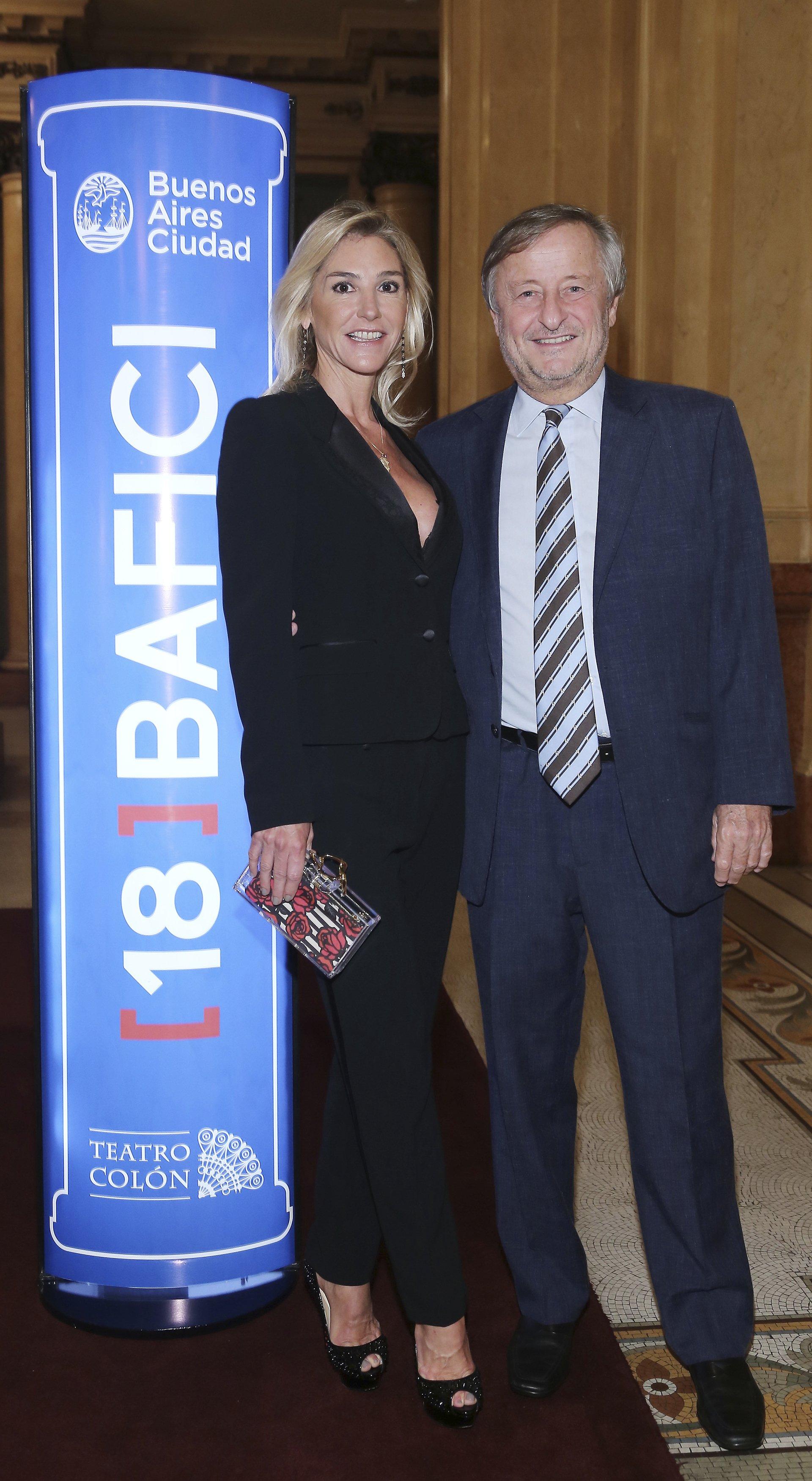 Cristiano Rattazzi, presidente de FIAT Argentina, y su parejaGabriela Castellani