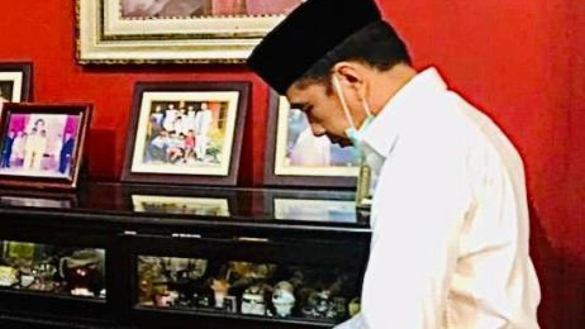 Photo President Jokowi S Mother S Funeral Home Atmosphere