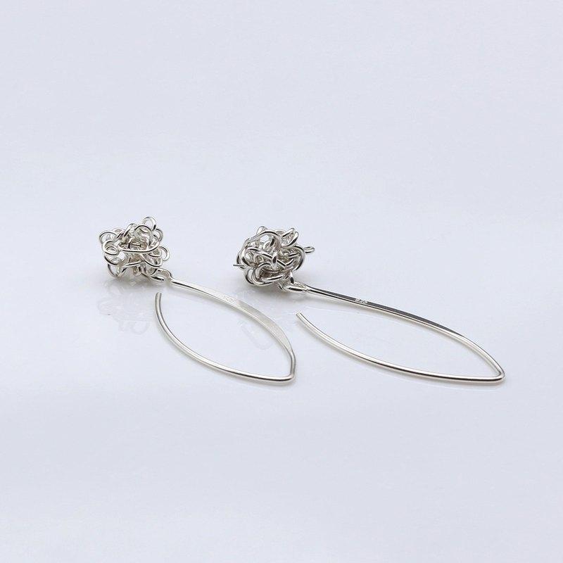 線球 耳環 純銀 (耳勾式) 聖誕 - 鉐葉工藝設計 | Pinkoi