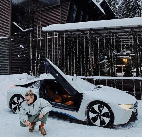 Какая машина у Элджея?