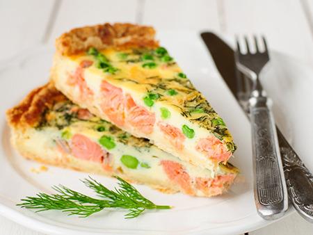 Пирог с красной рыбой на Новый год 2015 как испечь? Рецепт?
