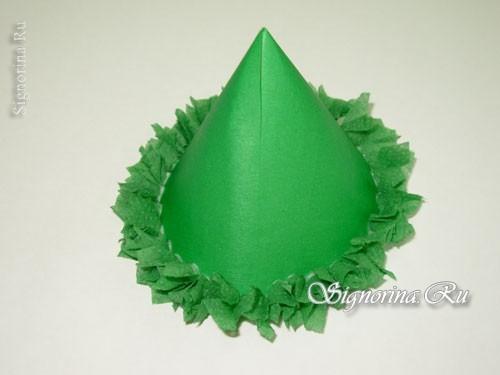 Pokok Krismas Tahun Baru diperbuat daripada tuala kertas dengan tangan anda sendiri, foto № 21