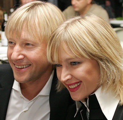 Чем занимается жена Дмитрия Харатьяна? Где смотреть ...