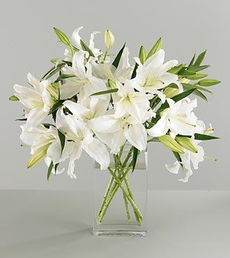 Как дольше сохранить срезанные лилии в вазе?