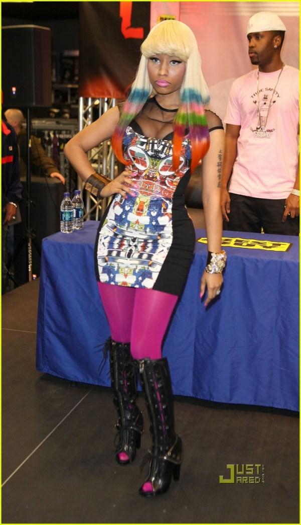 Nicki Minaj: Rainbow Tipped Hair at CD Signing!: Photo ...