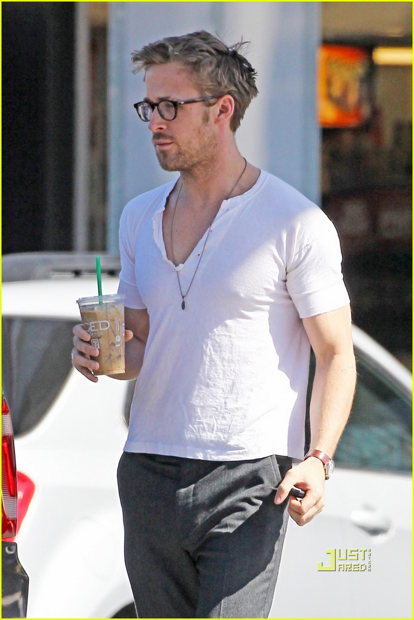Ryan Gosling Coffee Break Photo 2540783 Ryan Gosling