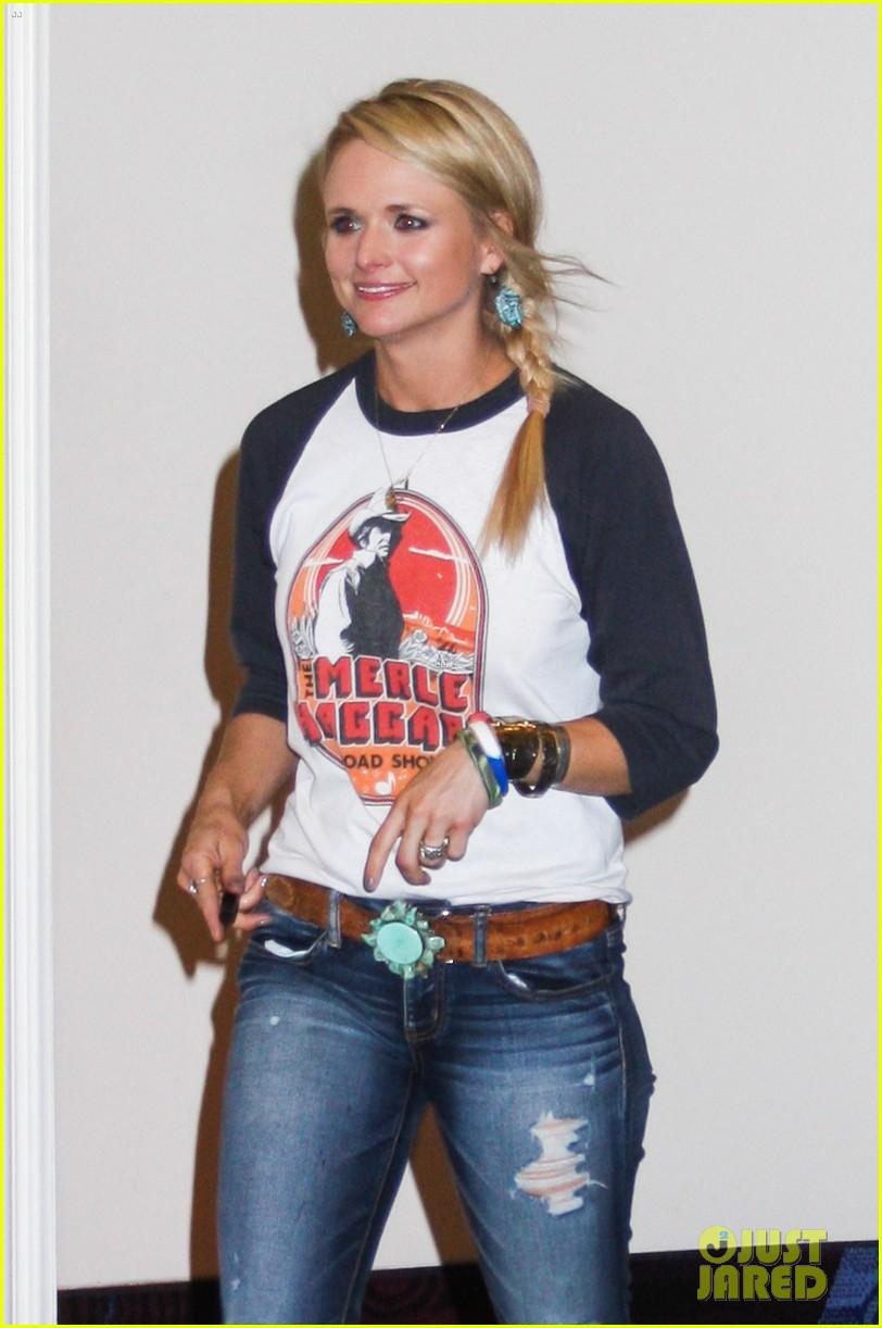 Miranda Lambert Totally Pumped For Tonights ACM Awards