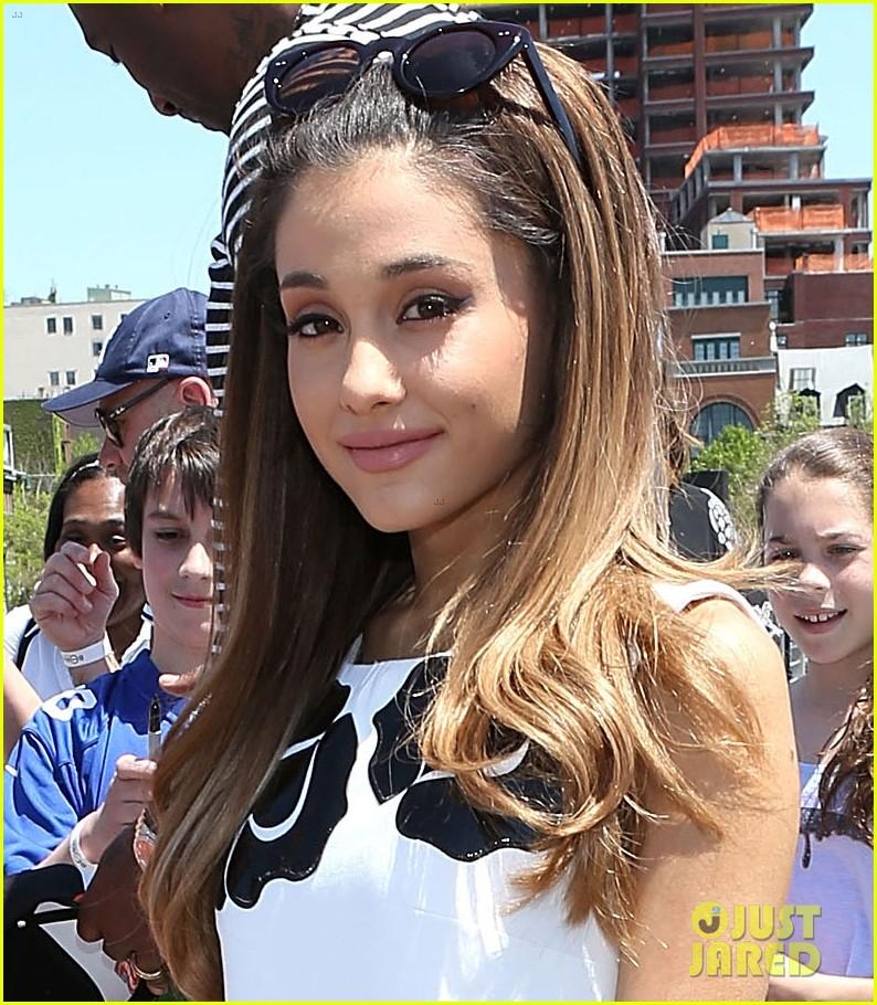 Ariana Grande Amp Kiernan Shipka Embrace Spring At NYCs