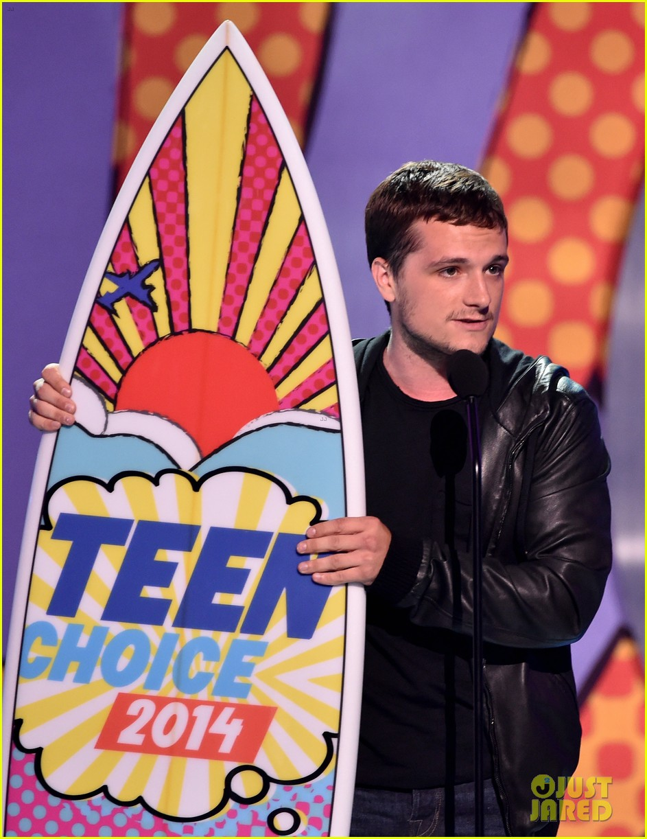 josh hutcherson teen choice awards 2014 07