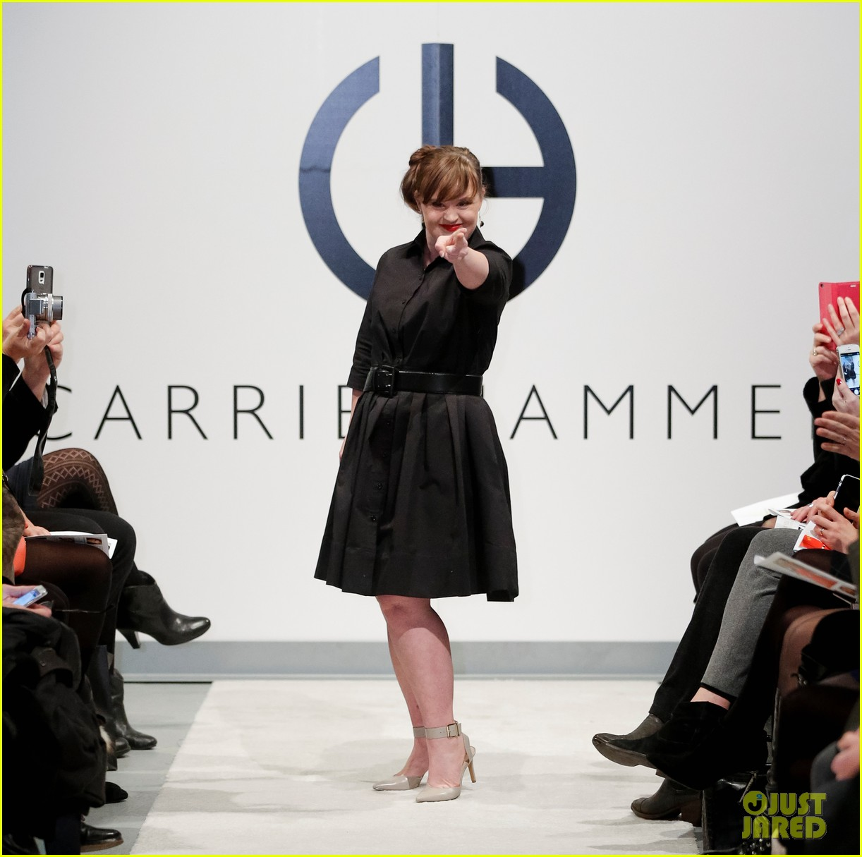 jamie brewer makes fashion week history 01