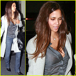 halle berry is a fierce flyer halle berry just jared