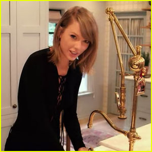 Watch Taylor Swift Answer Vogue's 73 Questions in Her House!
