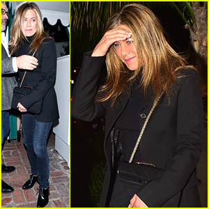 Jennifer Aniston Enjoys a Casual Night On the Town