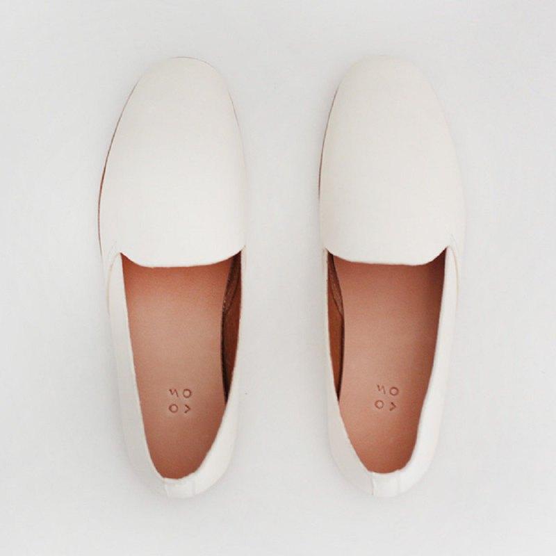 KOOW 極簡白色樂福鞋女loafer 平底百搭真皮單鞋 輕便開車休閒鞋 - 設計館 KOOW - 女款休閒鞋 | Pinkoi