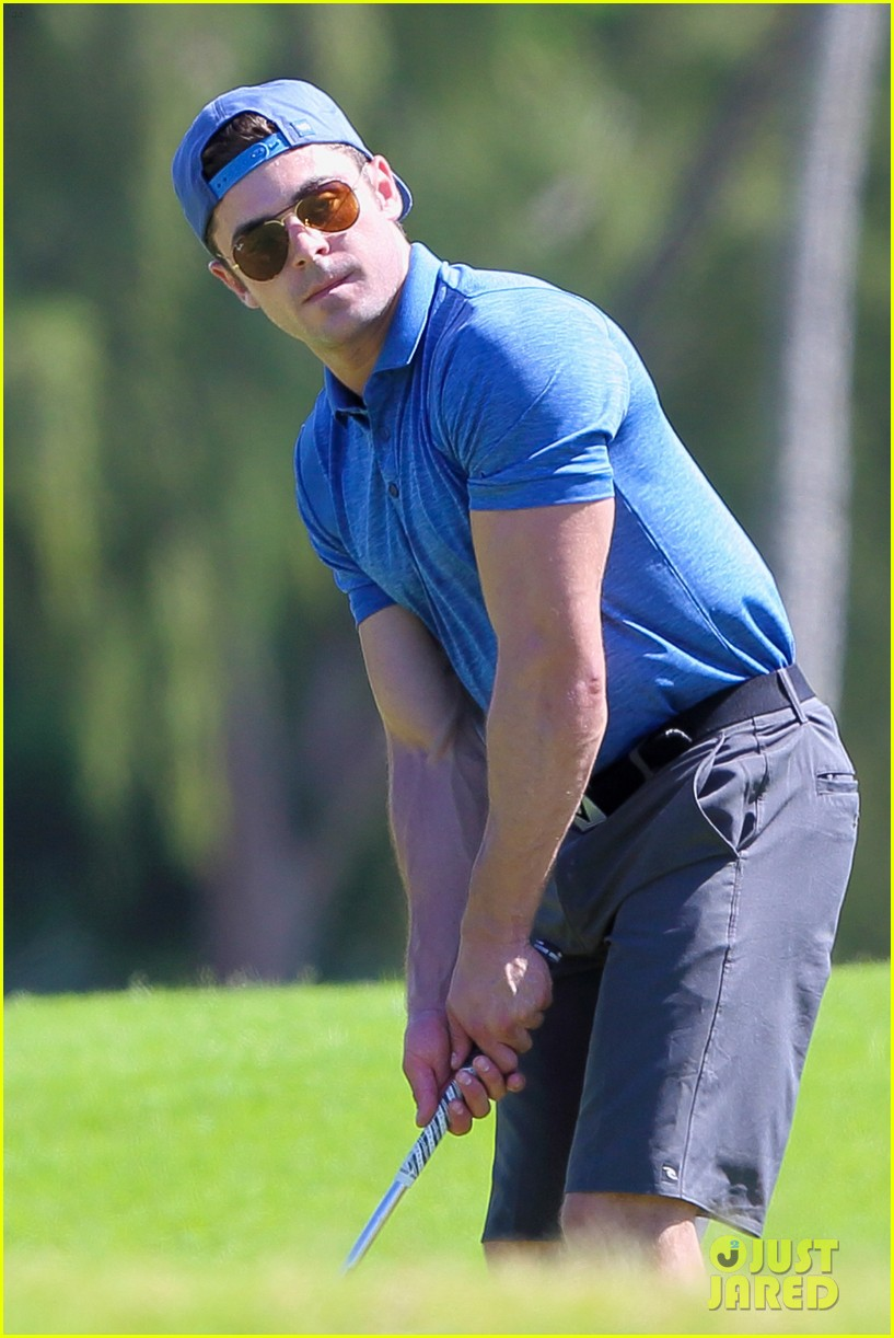 zac efron golfing in hawaii 07