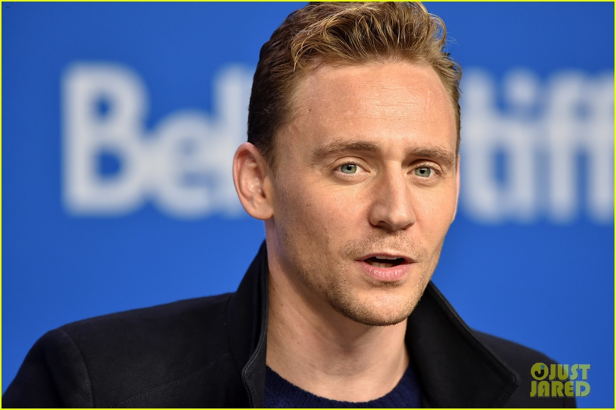 tom hiddleston bares his body in new movie high rise 04