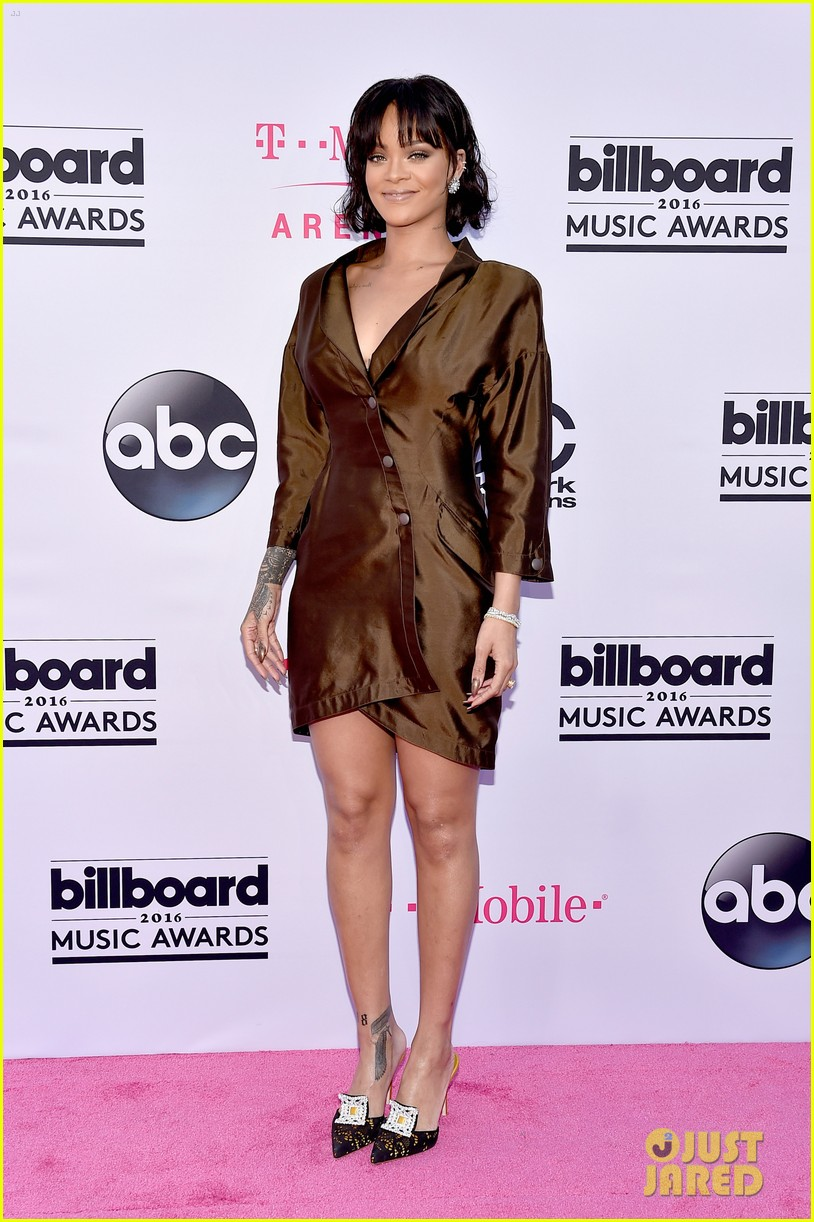 rihanna billboard music awards 2016 05