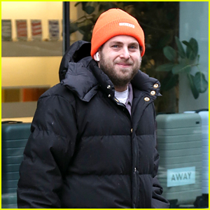 Jonah Hill Bundles Up for a Chilly Outing in NYC!