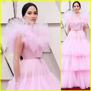 Kacey Musgraves Is Pretty in Pink at Oscars 2019!