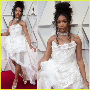 SZA Gets Ethereal on Oscars 2019 Red Carpet!