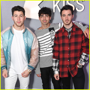 Jonas Brothers Get Asked About Their Purity Rings by Miley Cyrus