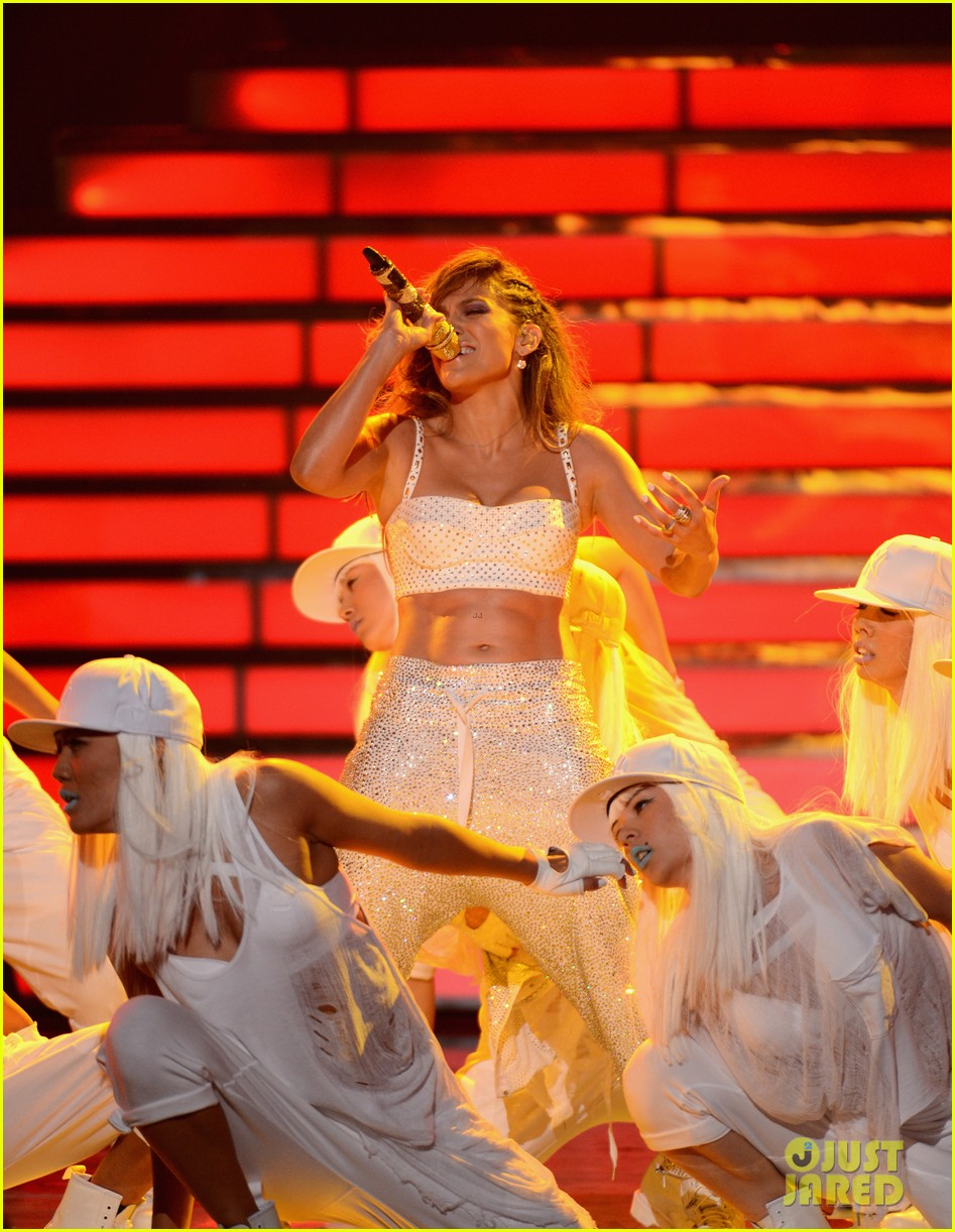 jennifer lopez american idol finale performance 33