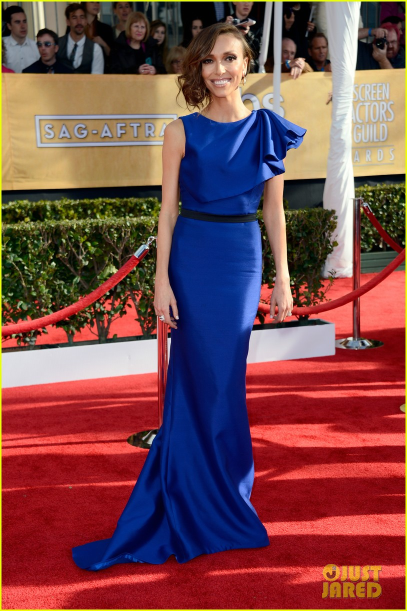 Giuliana Rancic wearing Max Azria Atelier at the 2013 Screen Actors Guild SAG Awards