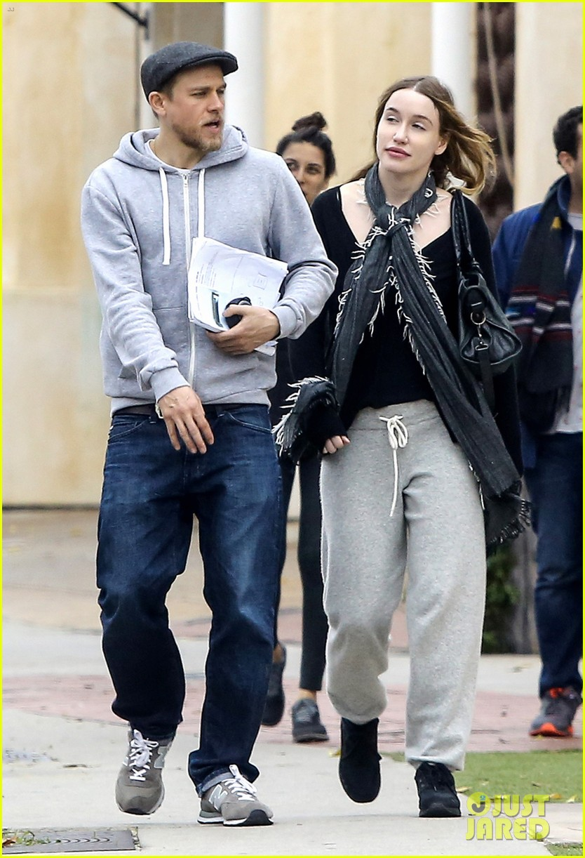 Charlie Hunnam Steps Out With Girlfriend Morgana McNelis Photo 3565801 Charlie Hunnam