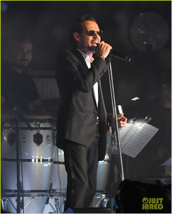 Marc Anthony Returns to the Stage After His Mother's Death ...