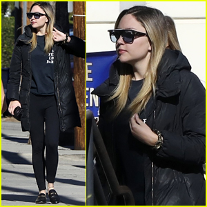 Amanda Bynes Steps Out for Coffee in Los Angeles