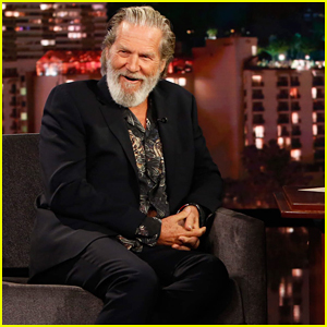 Jeff Bridges Gives 'Jimmy Kimmel' A Preview Of His New Photo Book - Watch Here!