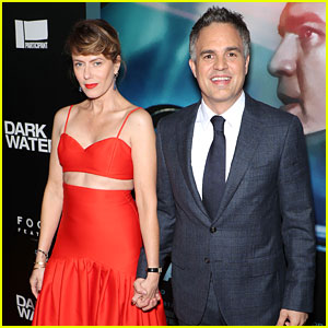 Mark Ruffalo Premieres His New Movie 'Dark Waters' with Wife Sunrise Coigney