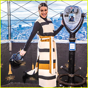 Longtime New Yorker Lea Michele Visits the Empire State Building for the Very First Time!