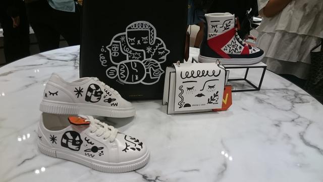 Tas dan sepatu doodle art