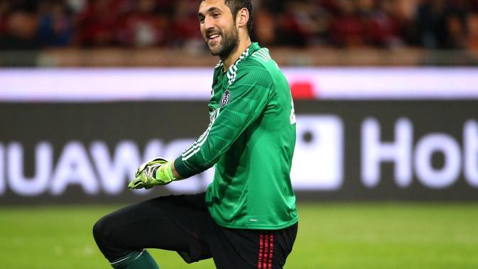 Kiper AC Milan, Diego Lopez, berencana hengkang pada bursa transfer Januari 2016.