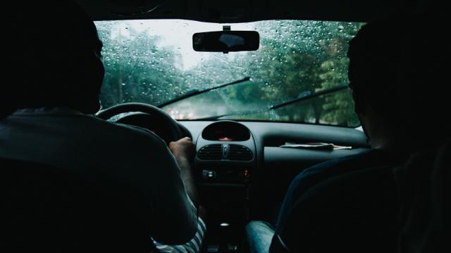 [Bintang] Jadi Driver Taksi Online, Alasan Pria Ini Malah Bikin Banyak Orang Kesal