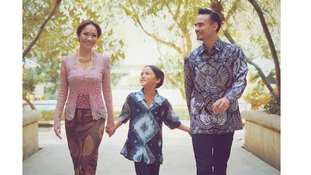 6 Momen Kenangan Ashraf Sinclair Bareng Istri dan Anak, Selalu Kompak