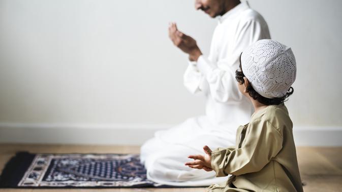 Berdoa / Sumber: iStockphoto