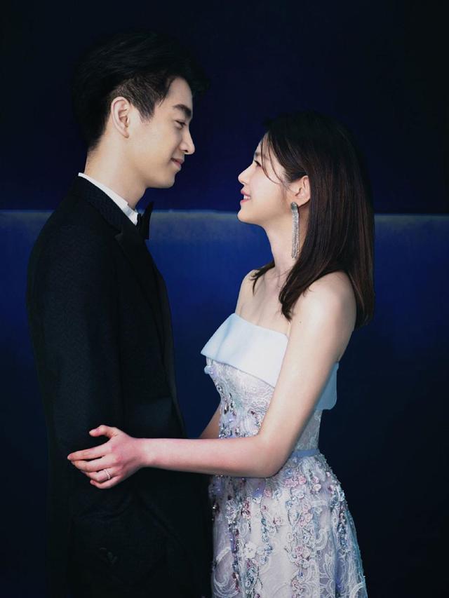 7 Potret Terbaru Pemain 'The Romance of Condor Heroes 2014' yang Jadi Suami Istri