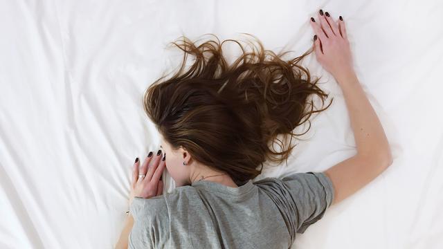 Salah Posisi Tidur, Wajah Akan Terlihat Lebih Tua dari Usia Sebenarnya