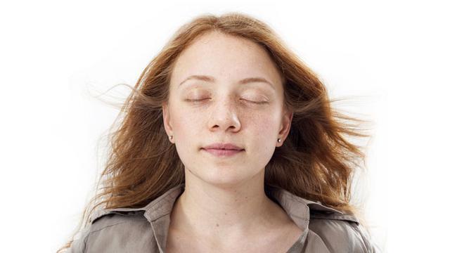 Hilangkan kerutan pada kelopak mata