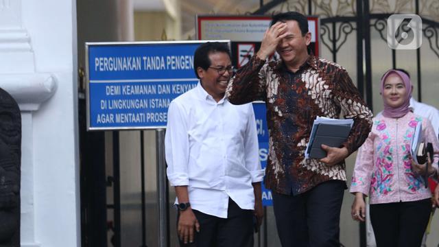 Senyum Ahok Usai Temui Jokowi di Istana