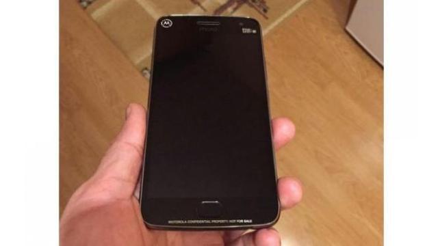 Seorang pengguna OLX dari Rumania menjual sebuah ponsel diduga Moto G5 Plus, seharga US$ 387.