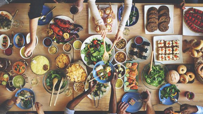 Ilustrasi makan besar.