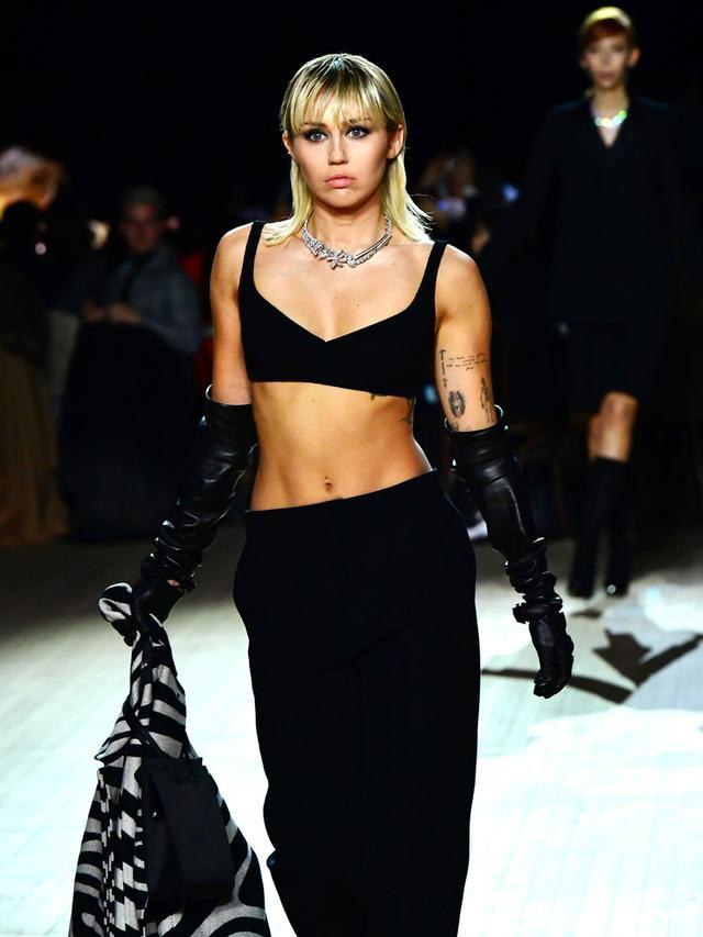 Miley Cyrus di Catwalk New York Fashion Week