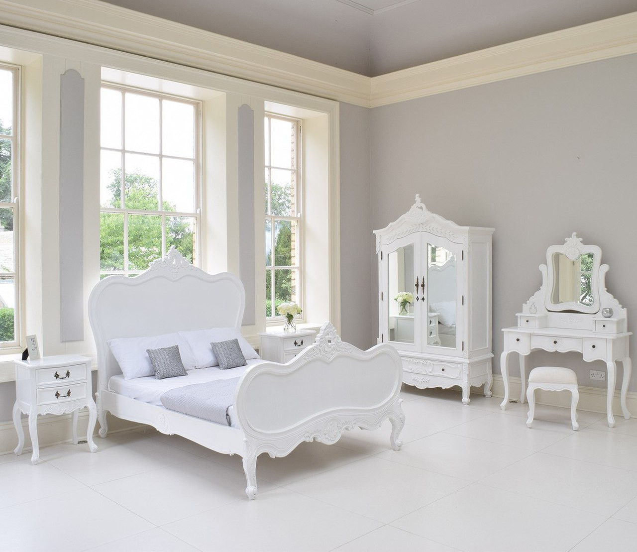 provincial luxury carved bed set white white