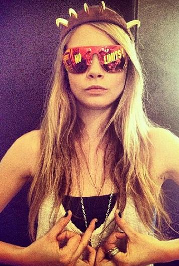 Cara Delevingne Wearing MYKITA FRANZ Sunglasses