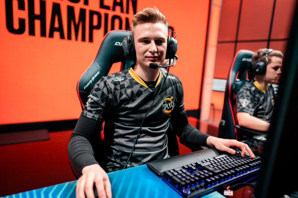 Splyce's Humanoid is becoming a mid lane superstar | Dot Esports