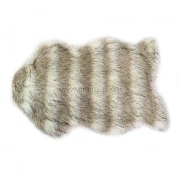 tapis peau de bete imitation fourrure loup